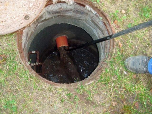 Hydrokan - Przepychanie rury kanalizacyjnej